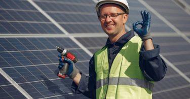 Panneau solaire gratuit gouvernement : comment ça se passe